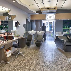 Photos de Marc favier olivier thion coiffure soumises par les membres