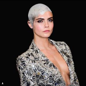 Petite fille cancer coupe de cheveux Cara Delevingne