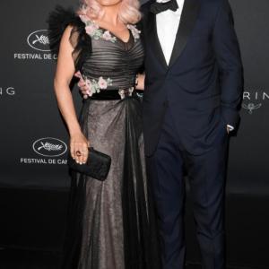 Salma Hayek et les cheveux roses au Festival de Cannes