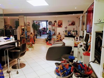 Coiffeur Salon Marie-Claire voir le détail