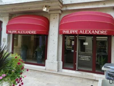 Coiffeur Philippe Alexandre voir le détail