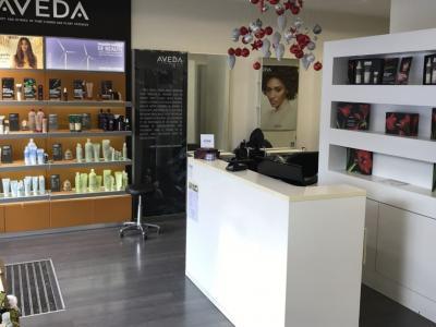 Coiffeur Kome Salon & Spa Aveda voir le détail