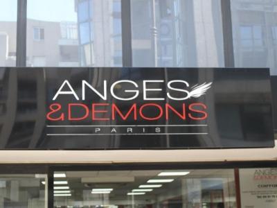 Coiffeur Anges Et Démons voir le détail