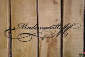 Logo de MADEMOISELLE M
