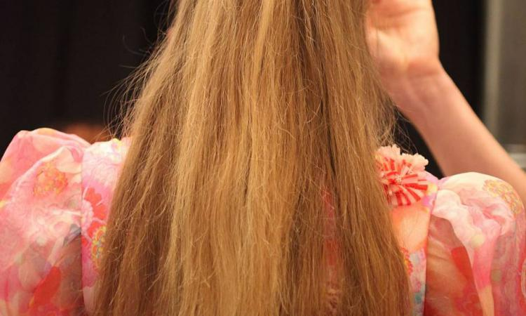 Moins de deux minutes pour cette coiffure !