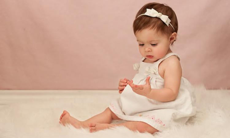 Préférence Coiffures pour bébé : 10 photos de petites princesses absolument  ER59