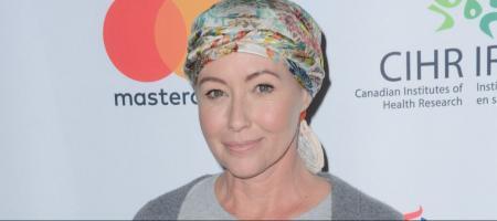 shannen doherty retrouve ses cheveux apres son cancer