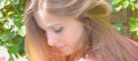 astuces cheveux pour espacer es shampoings
