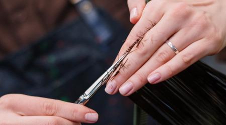 la fréquence pour couper les pointes de vos cheveux