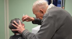 Le doyen des coiffeurs