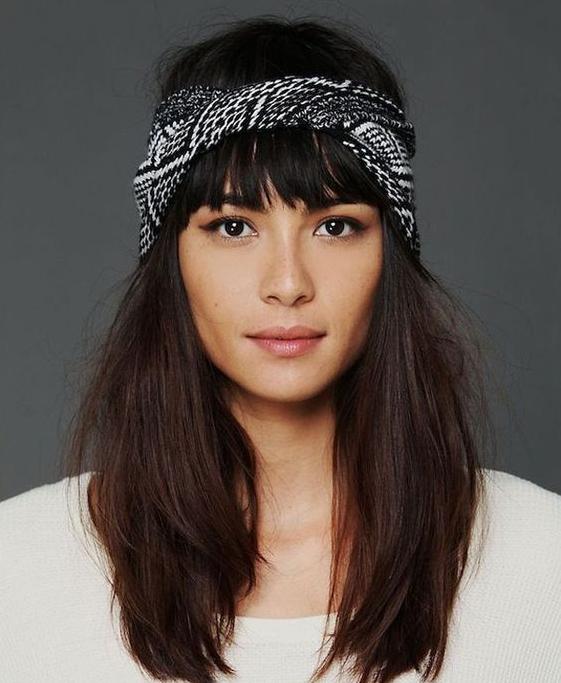 Embellir vos cheveux avec des accessoires. 35 modèles pour vous donner des idées de mise en beauté !