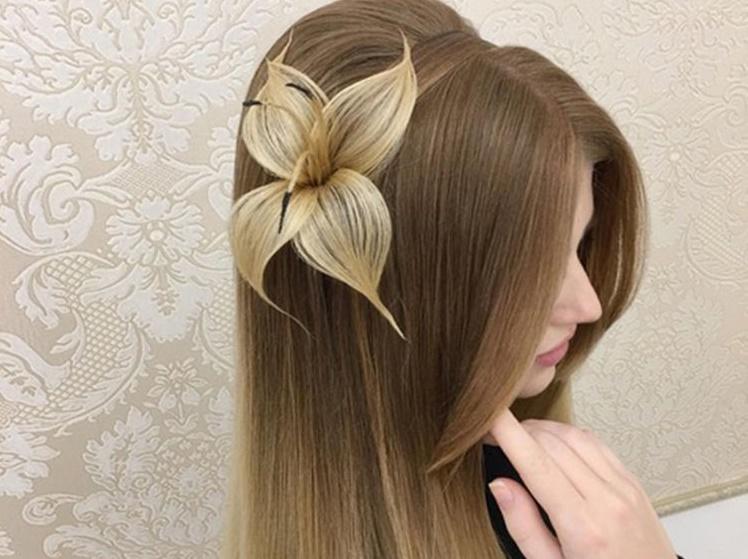 Un Coiffeur Cree Une Superbe Fleur Seulement Avec Des Cheveux
