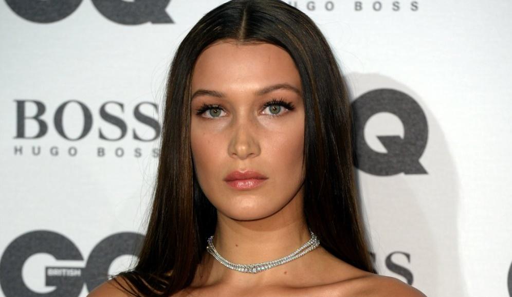 Exceptionnel Bella Hadid a succombé à la tendance coiffure du moment et aux  MF21