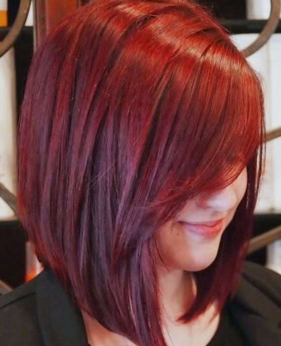 Coupe de cheveux couleur cerise