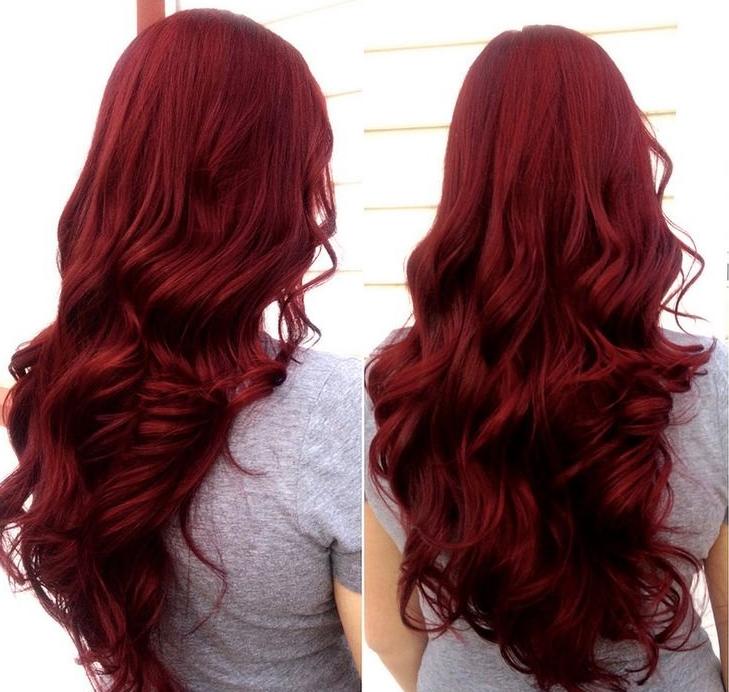 Coloration rouge cheveux long