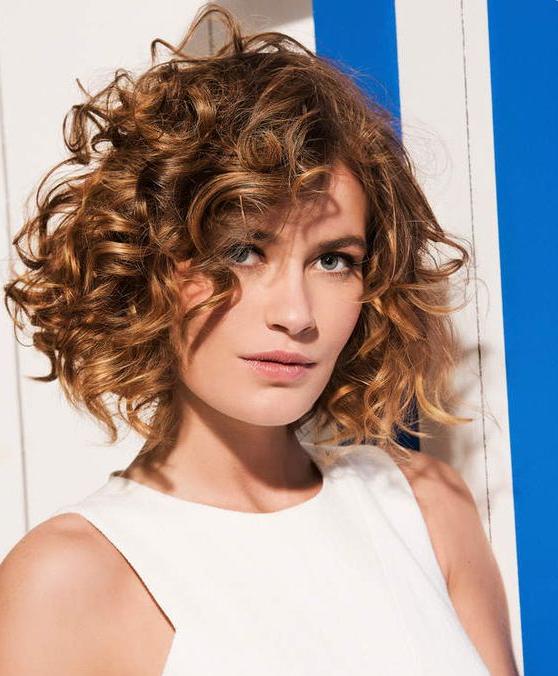 Le Glamour Des Cheveux Frisu00e9s Ou Bouclu00e9s Avec Ces 20 Modu00e8les Magnifiques - Actualitu00e9 Du 22/03/2016