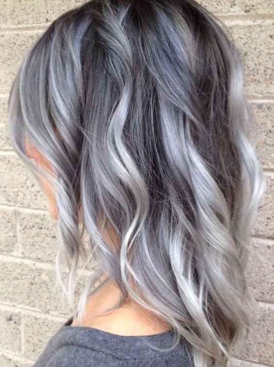 Couleur de cheveux pour cheveux gris