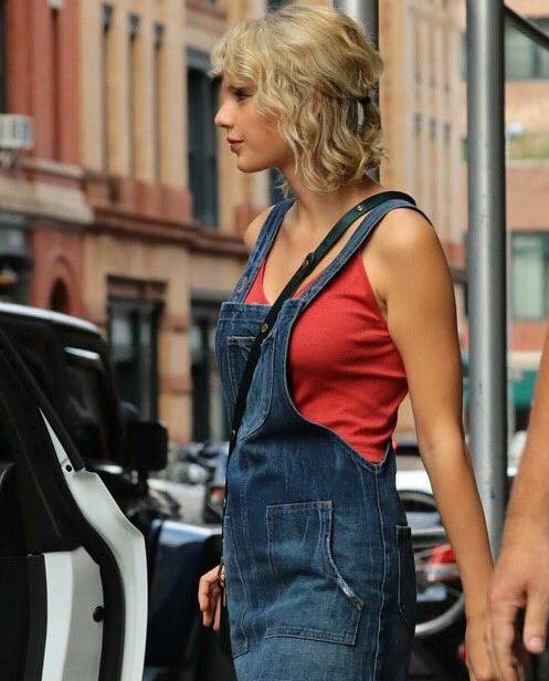 Bien-aimée Taylor Swift change de coiffure ! - Actualité du 19/08/2016 #PP_64
