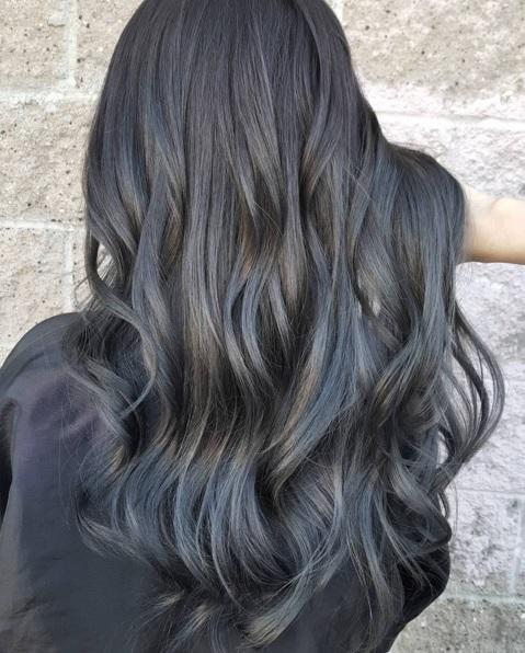 teinture cheveux gris anthracite coiffures la mode de cette saison. Black Bedroom Furniture Sets. Home Design Ideas