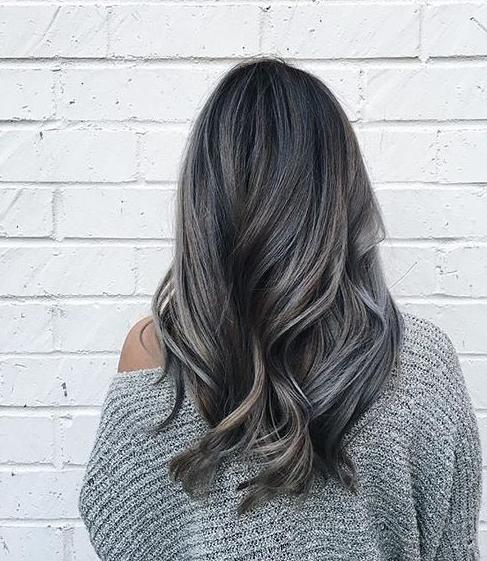 18 cheveux gris la tendance qui 17 meilleures id - Couleur cheveux gris ...